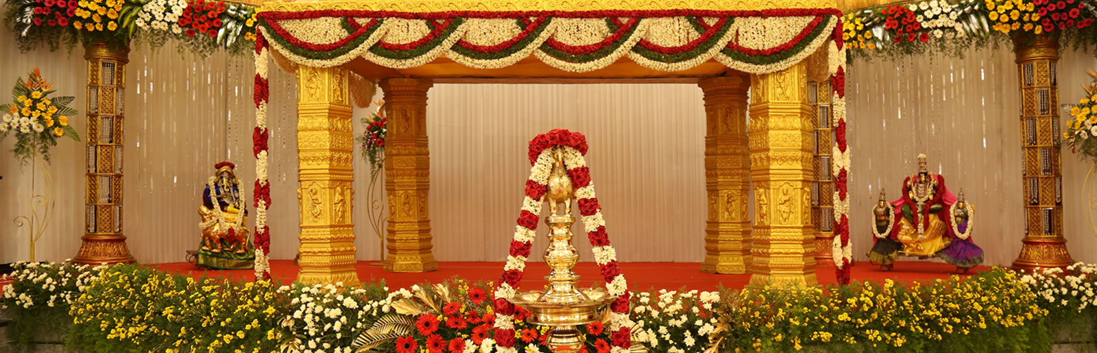 Impressive-Decorative-Marriage-Hall