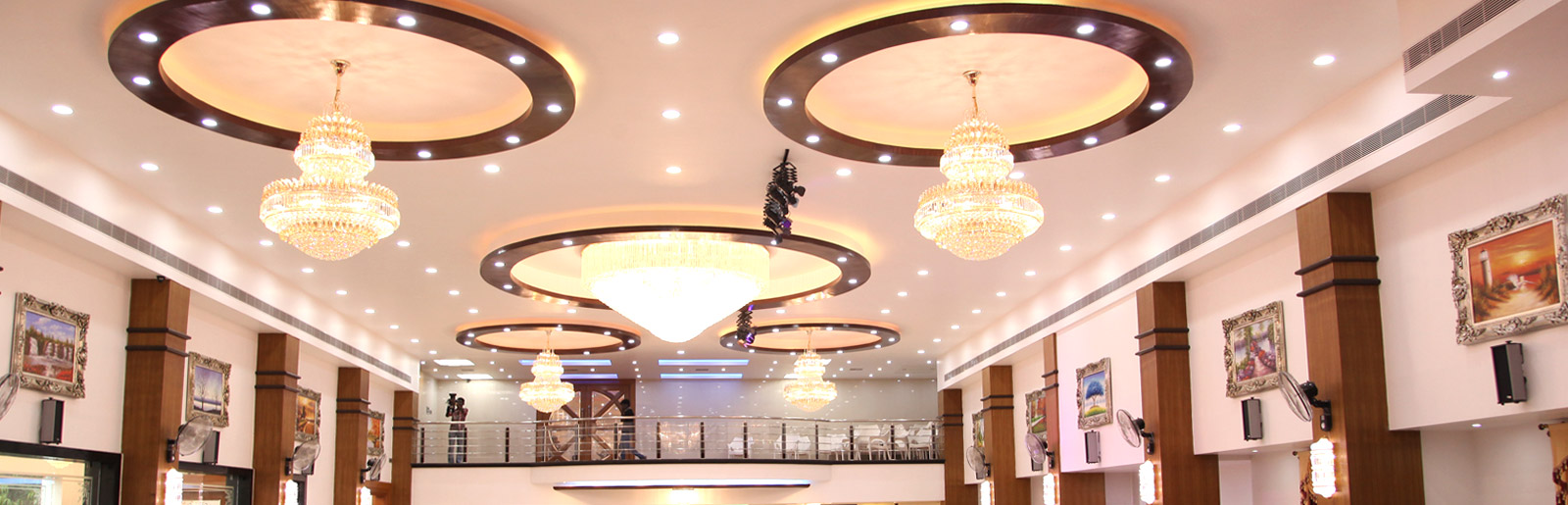 Bright-Ceiling-Marriage-Hall-Chennai